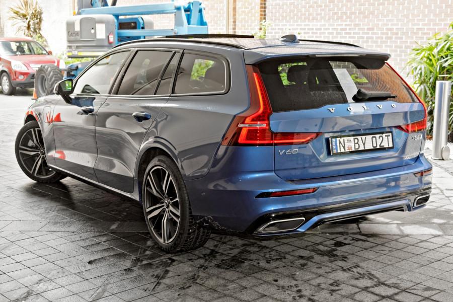 2020 Volvo V60 T8 R-Design