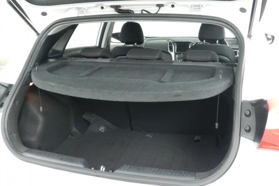 2013 MY14 Hyundai i30 GD2 Elite Hatchback Mobile Image 19