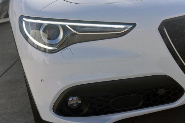 2018 Alfa Romeo Stelvio Stelvio Suv Image 3
