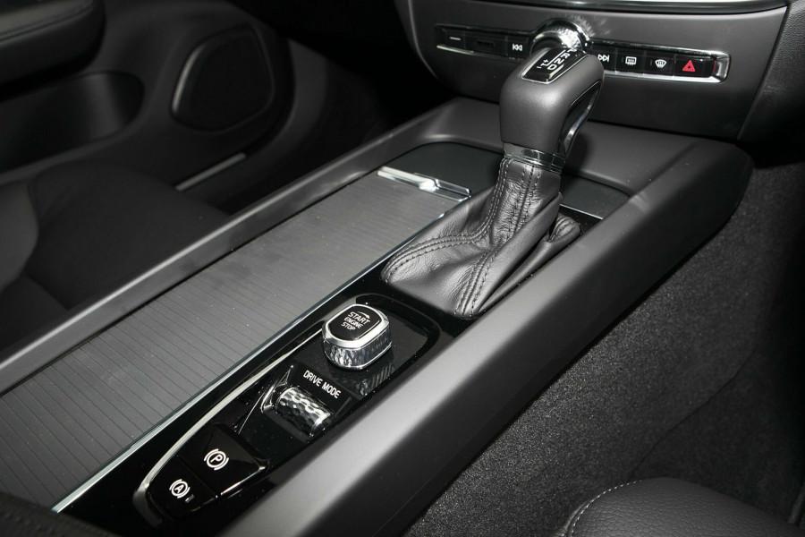 2019 MY20 Volvo V60 (No Series) T5 Momentum Wagon Mobile Image 12