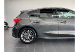 2020 MY20.25 Ford Focus SA  ST-Line Hatchback Image 4