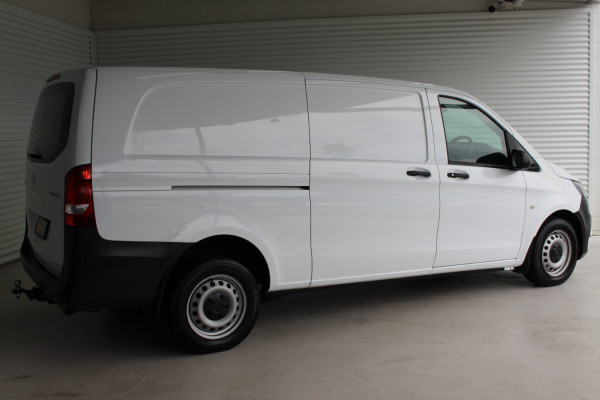 2015 Mercedes-Benz Vito 447 114BLUETEC Van Image 2