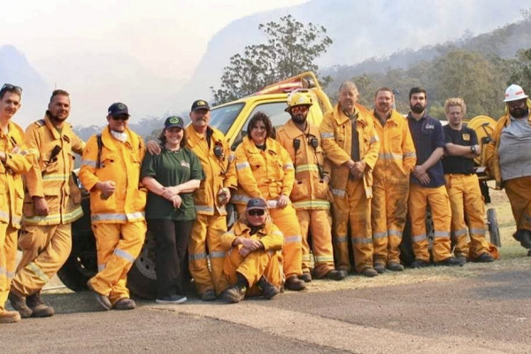 Zac helps fight recent bushfires in his community