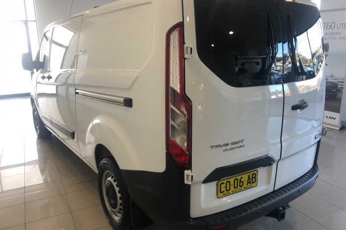 2016 Ford Transit Custom VN 330L Van Image 7