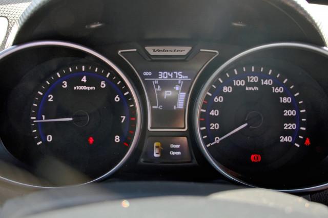 2016 Hyundai Veloster FS5 Series II Hatchback Image 11