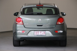 2015 Holden Cruze Vehicle Description. JH  II MY15 Equipe HBK 5dr SA 6sp 1.8i Equipe Hatchback Image 4