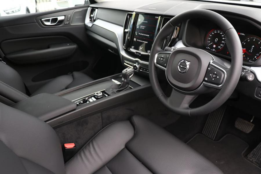 2020 Volvo XC60 UZ T5 Momentum Suv Mobile Image 11