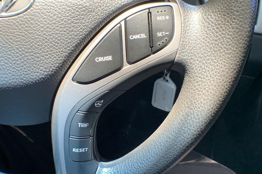 2013 Hyundai I30 GD Active Hatch Image 11