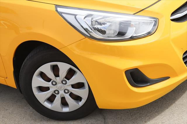 2014 Hyundai Accent RB2 MY15 Active Hatchback Image 3