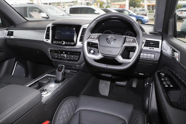 2021 SsangYong Rexton Ultimate 11 of 20