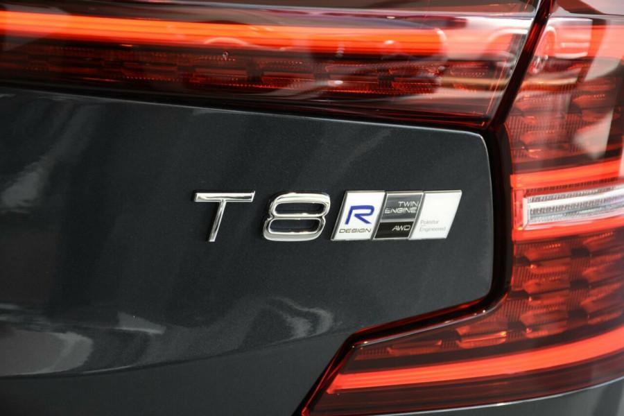2019 MY20 Volvo S60 Z Series T8 R-Design Sedan Image 18