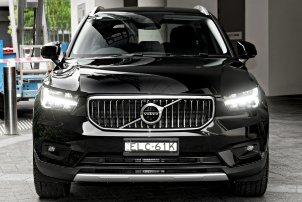 2021 Volvo XC40 XZ T4 Inscription Suv Image 5