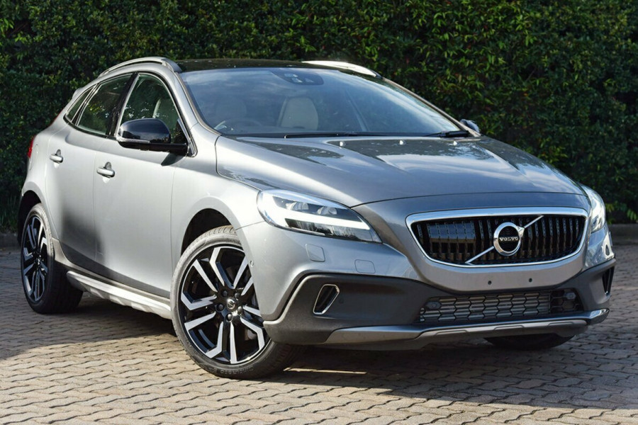 2017 MY18 Volvo V40 Cross Country M Series T5 Pro Hatchback