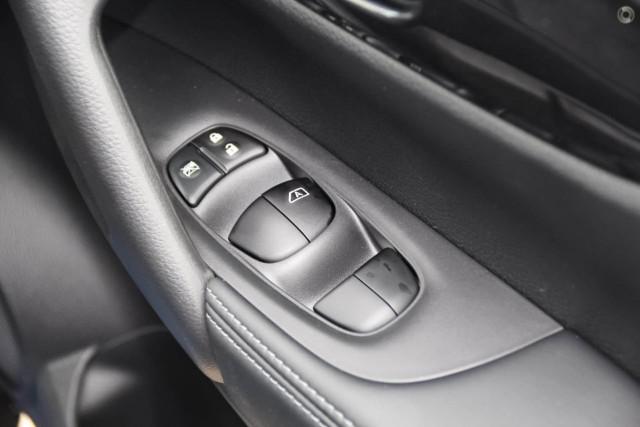 2019 Nissan X-Trail T32 Series 2 ST 2WD Suv Image 2