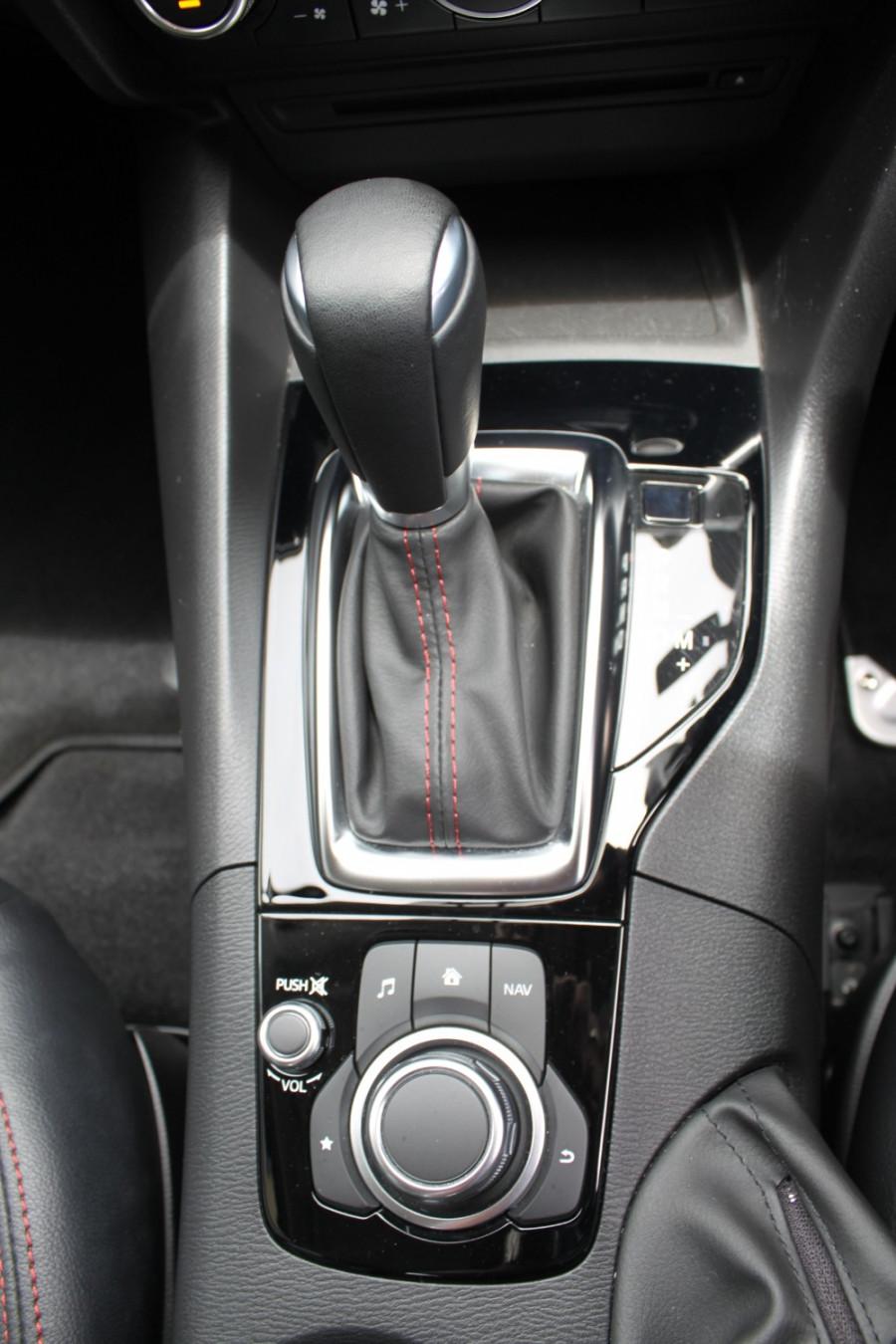 2016 Mazda 3 BM5238 SP25 Sedan Image 16