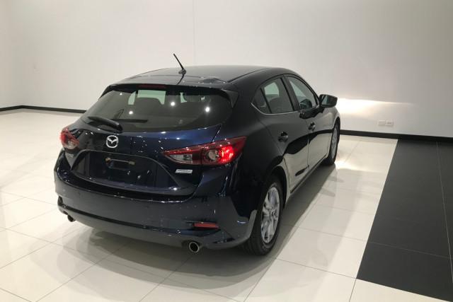 2017 Mazda 3 BN5478 Maxx Hatch Image 5