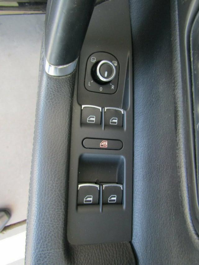 2010 Volkswagen Passat Type 3CC MY10 125TDI DSG CC Coupe Mobile Image 17