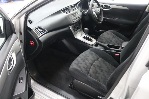 2014 Nissan Pulsar B17 ST Sedan Image 5
