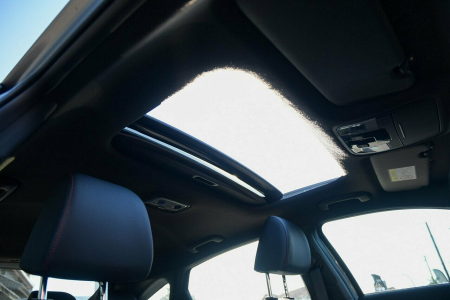 2021 MY22 Kia Cerato BD GT Hatchback Image 9