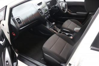 2016 Kia Cerato YD MY17 S Hatchback Image 5
