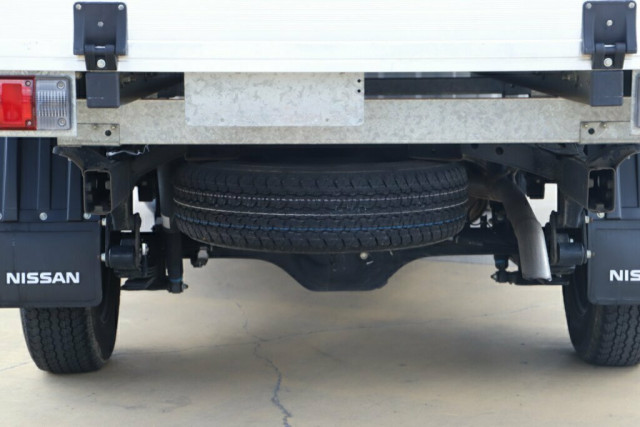 2017 Nissan Navara D23 S2 RX 4x2 Cab chassis Image 10