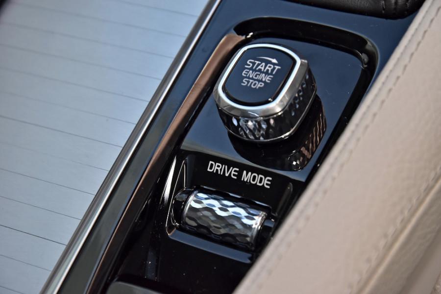 2018 MY19 Volvo XC90 L Series D5 Momentum Suv Mobile Image 18
