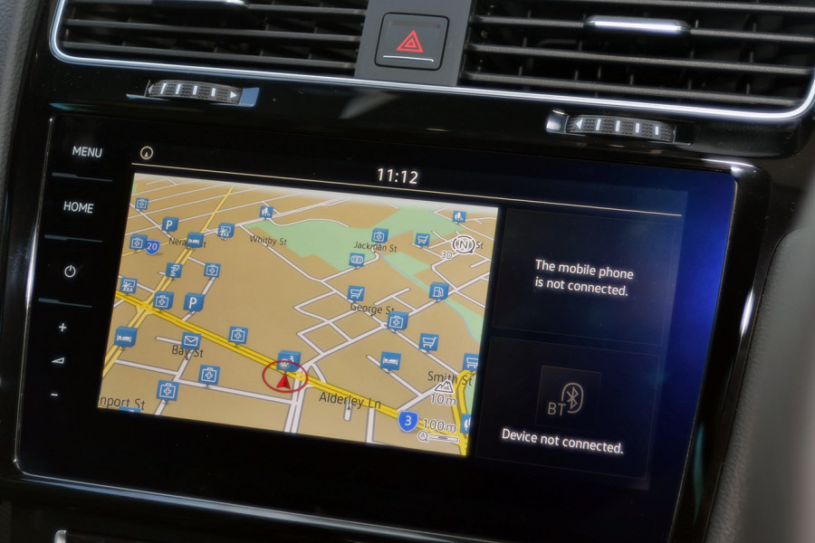 2018 Volkswagen Golf Wagon 7.5 R Wagon Mobile Image 11