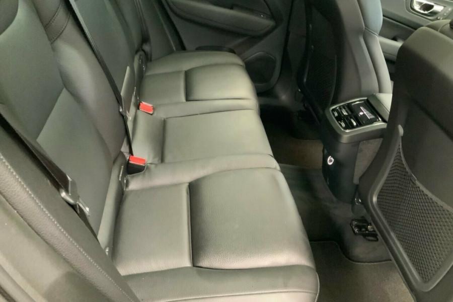 2018 MY19 Volvo XC60 246 MY19 T5 Inscription (AWD) Suv Mobile Image 21