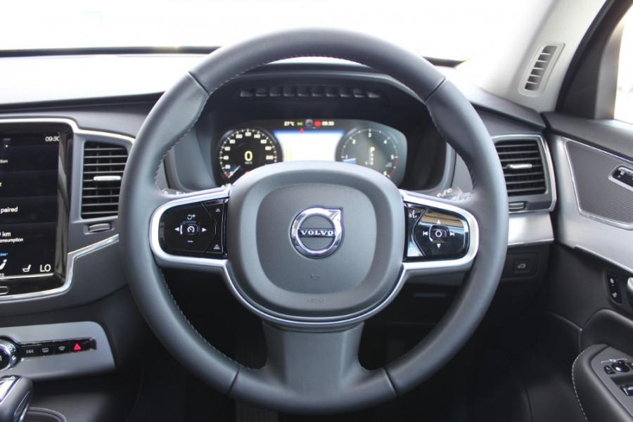 2018 MY19 Volvo XC90 L Series D5 Momentum Suv Mobile Image 10