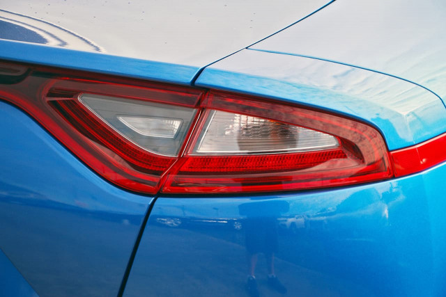 2017 Kia Stinger CK MY18 330Si Sedan Image 18