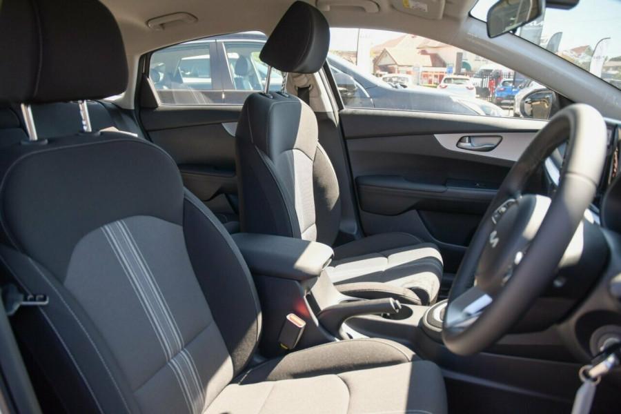 2021 MY22 Kia Cerato BD Sport Hatchback Image 7
