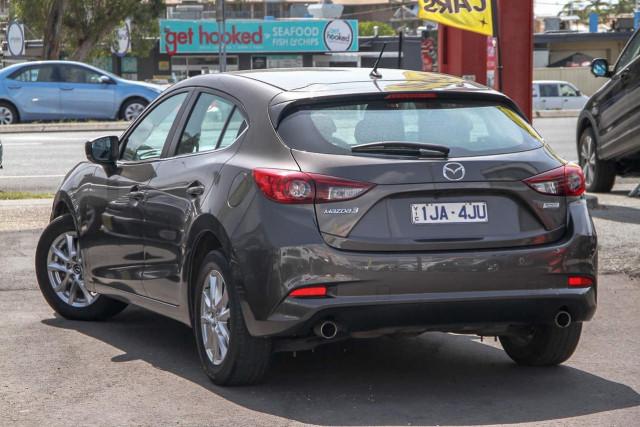 2017 Mazda 3 BN Series Maxx Hatchback Image 2