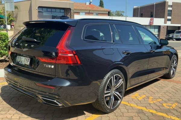 2019 MY20 Volvo V60 225 MY20 T8 PHEV R-Design (Hybrid) Wagon Image 4