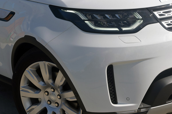 2019 Land Rover Discovery Series 5 HSE Luxury Suv Image 2