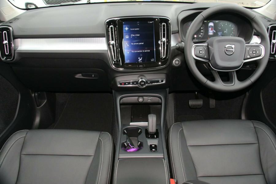 2019 MY20 Volvo XC40 XZ T4 Momentum Suv Mobile Image 5