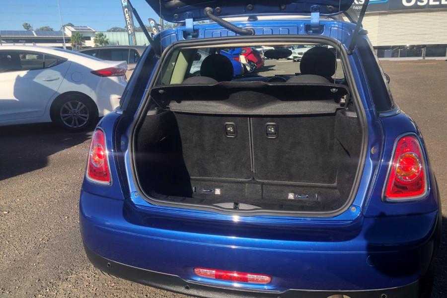 2013 Mini Hatch Hatchback Image 11