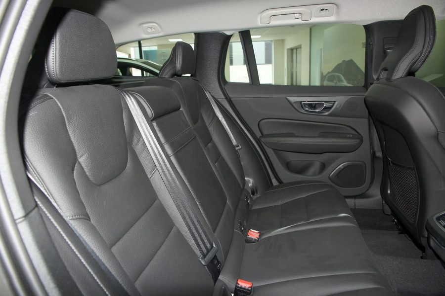 2019 MY20 Volvo V60 (No Series) T5 Momentum Wagon Mobile Image 18