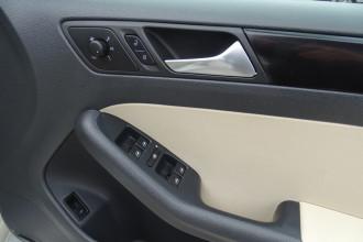 2011 MY10 Volkswagen Jetta 1KM  103TDI Sedan