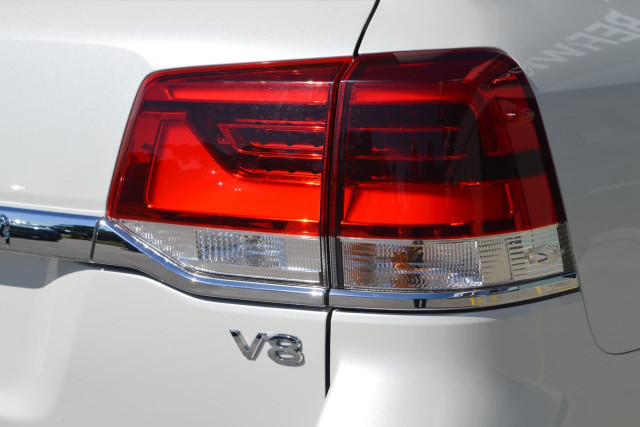2016 Toyota Landcruiser VX 3 of 25
