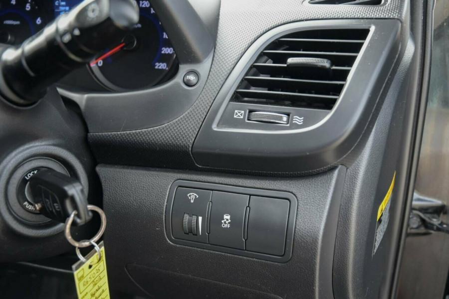 2011 Hyundai Accent RB Active Hatchback Image 10