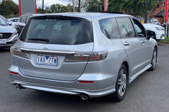 2011 Honda Odyssey Luxury 6 of 34