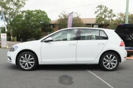 2020 Volkswagen Golf 7.5 110TSI Highline Hatchback Image 3