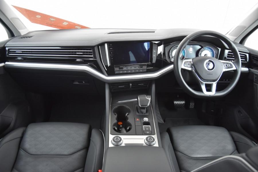 2019 Volkswagen Touareg CR MY19 190TDI Suv Image 8