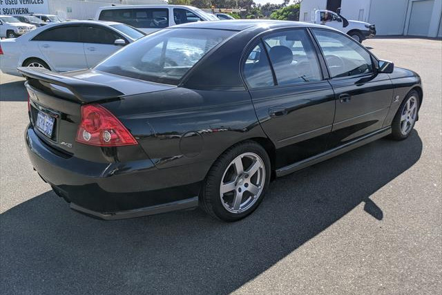 2004 Holden Commodore VZ SV6 Sedan Image 5