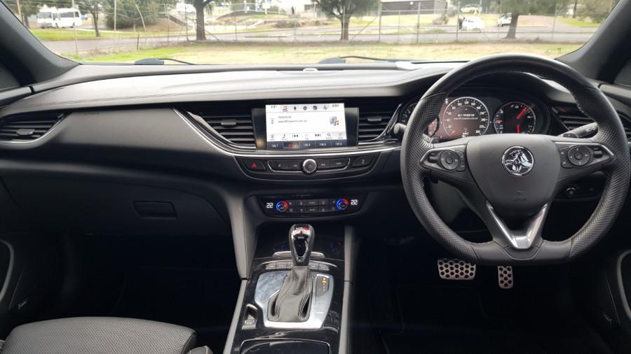 2018 Holden Commodore ZB VXR Sedan Image 23