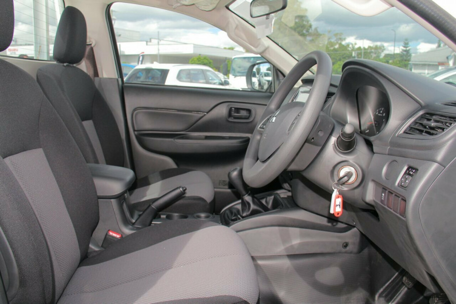 2019 Mitsubishi Triton MR GLX Single Cab Chassis 2WD Cab chassis