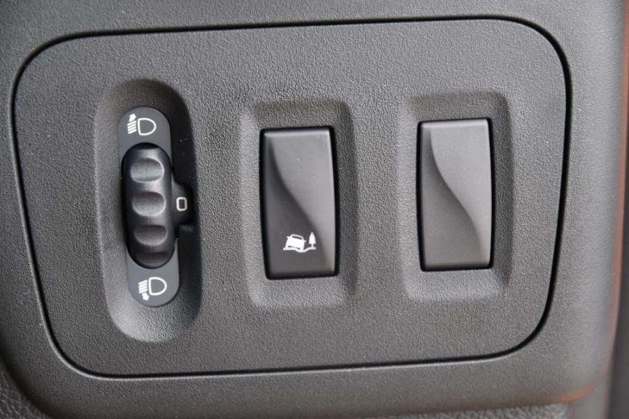 2019 Renault Master Cab Chassis X62 Dual Cab Dual cab Image 18