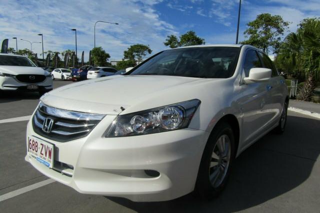 2011 Honda Accord 8th Gen VTi Sedan Image 2