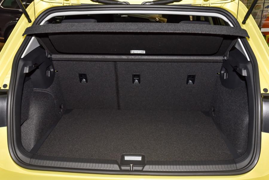 2021 Volkswagen Golf 8 110TSI Golf Hatch Image 19