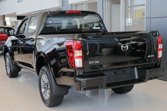 2020 MY21 Mazda BT-50 TF XT 4x4 Cab Chassis Cab chassis image 2